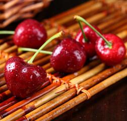 【预售】山东烟台拉宾斯大樱桃 产地直发 新鲜包邮 3斤装果径24--28mm